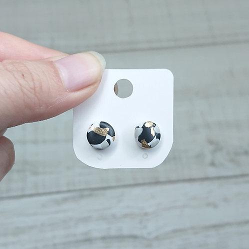 Boucles d'oreilles puces marbre noir et blanc #2