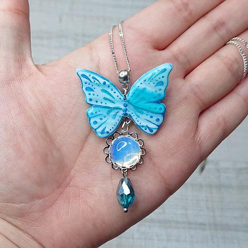 Collier Papillon bleu et Opaline