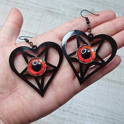 Boucles d'oreilles Coeur pentacle noirs yeux rouges