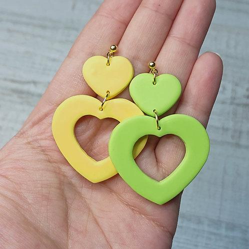 "Boucles d'oreilles ""Printemps Pop"" coeurs jaune/vert"