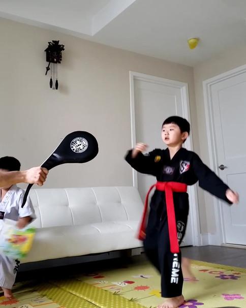 Multi-tasking while practicing kicks! (Sound on)