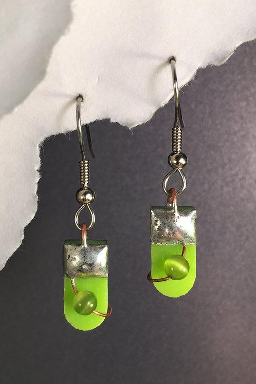 Kiwi green french wire earrings (short)