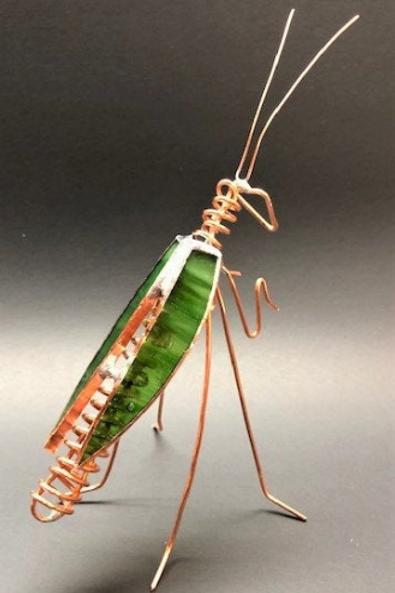 Leaf Green Iridized Praying Mantis