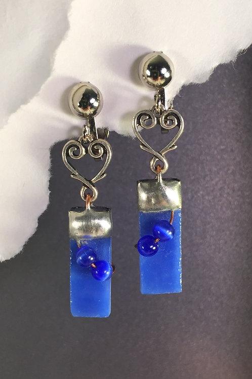 Blue speckled dangling clip earrings (long)
