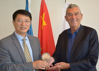 Delegation from Beijing Jiaotong University visited  Confucius Institute at GROUP T – Academy