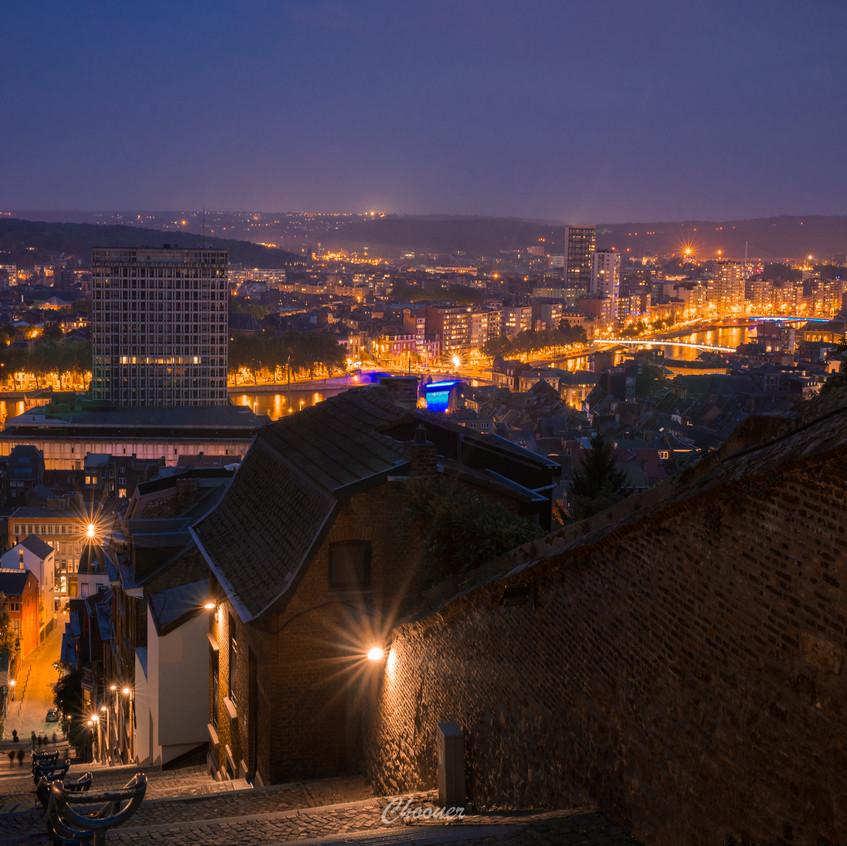 Night city view of Montagne de Bueren at