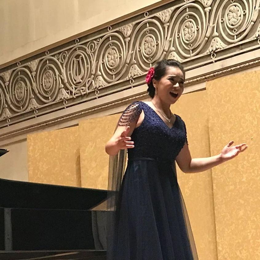 女高音独唱《长江之歌》