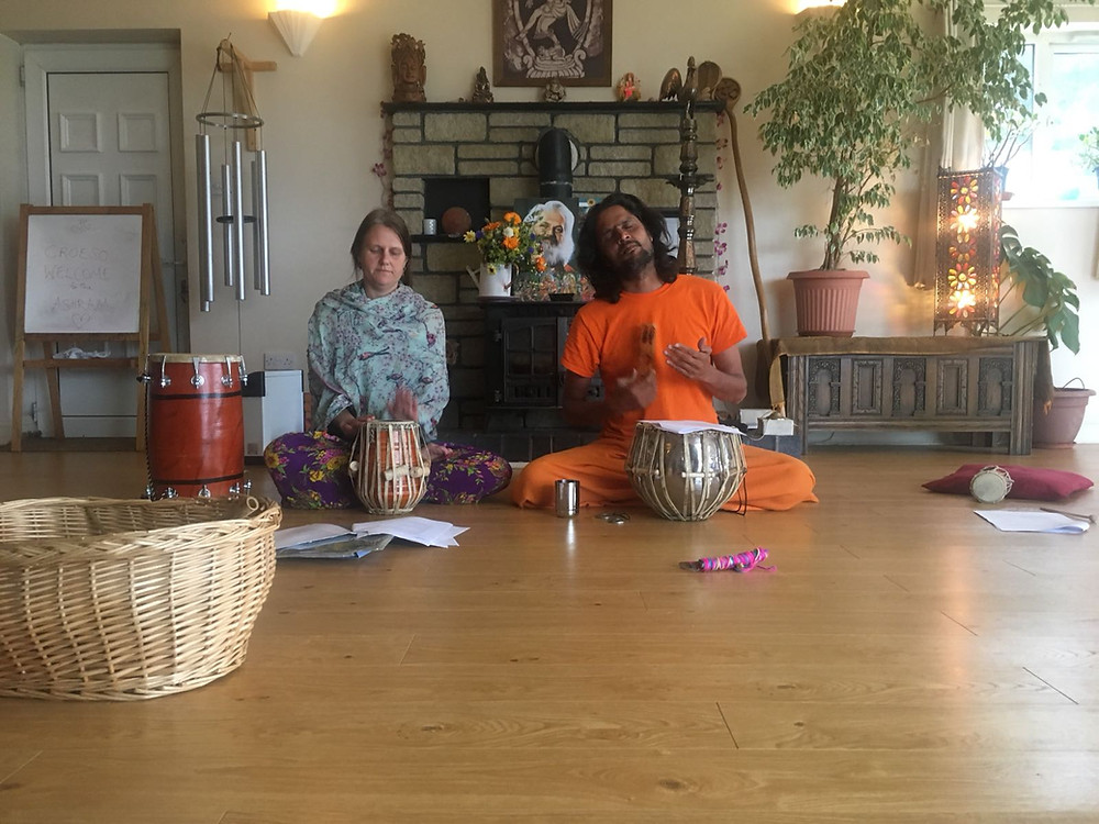 Jnana Yoga Meditation with Yogachariya Jnandev