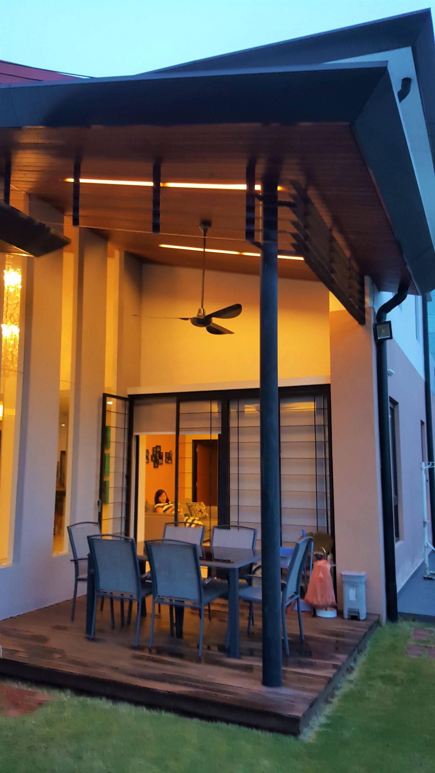 Outdoor dining area.jpg