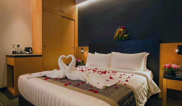 room-sm-01.jpg