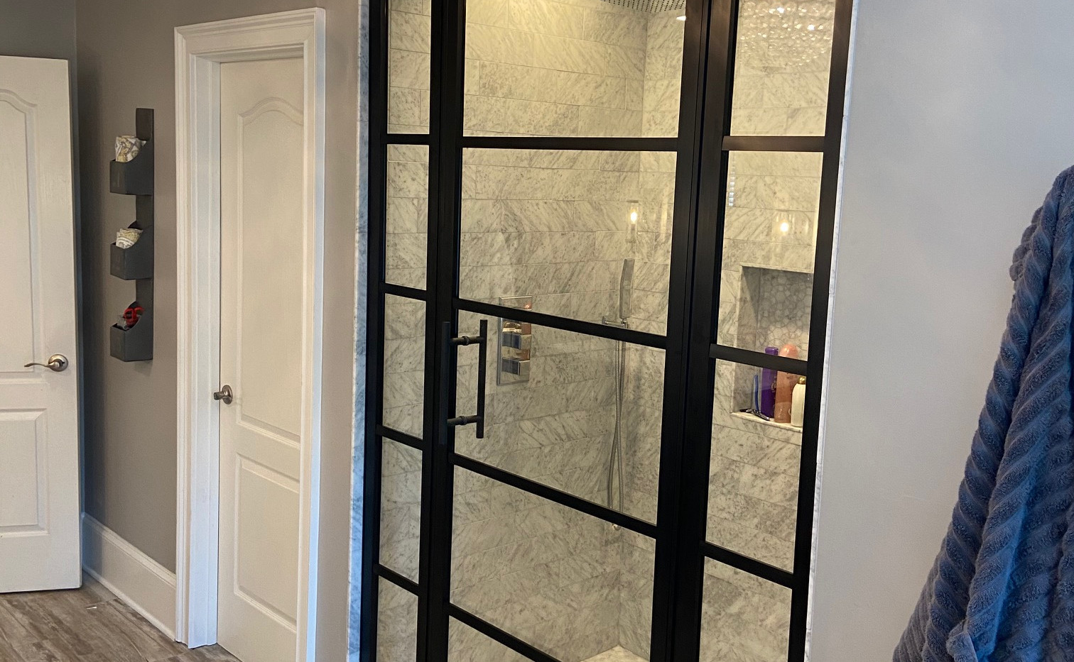 180 Degree Gridscape with Centered Door