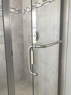 Semi-Frameless with C-Pull Towel Bar (2)
