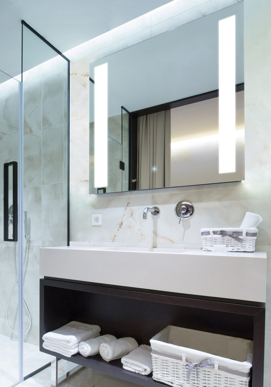 Fusion - Lighted Mirror
