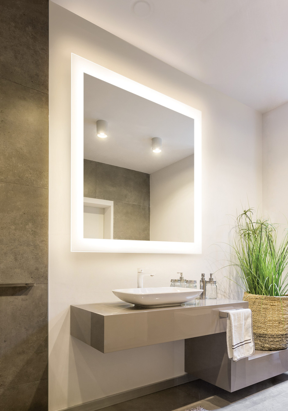 Silhouette - Lighted Mirror
