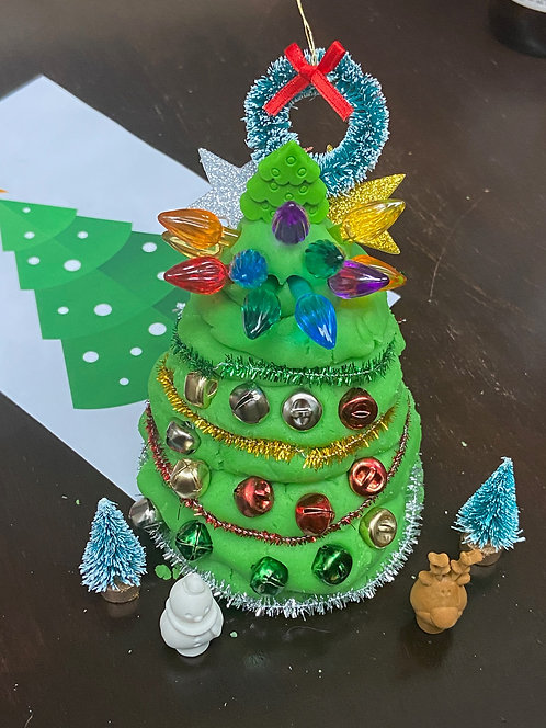Play Dough Decorate-Your-Own Christmas Tree Activity Kit (facemask is sold out)