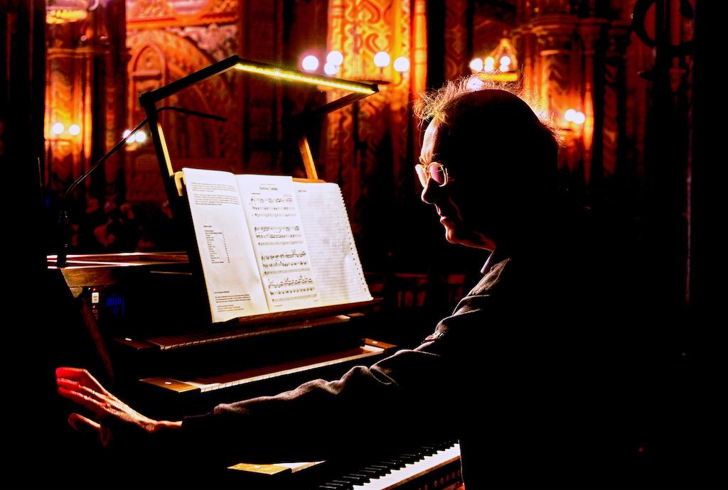 GrahamJ - The organist