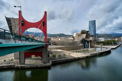 GuggenheimBilbao01.jpg