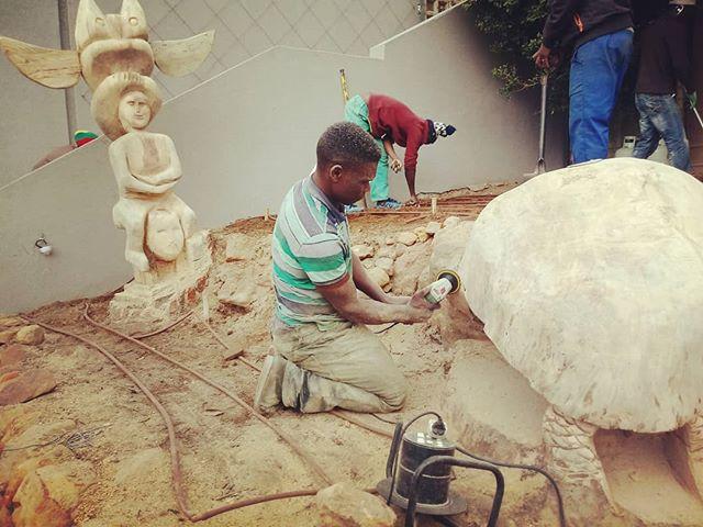Sculpting tree stumps..