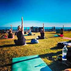 Outdoor Yoga class at Hove Lawns Brighotn
