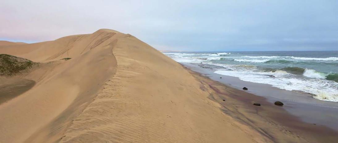 Walvis_Bay_Namibia_1.jpg