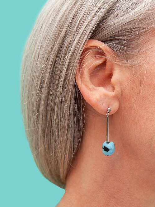 Contemporary, minimal glass bead earring
