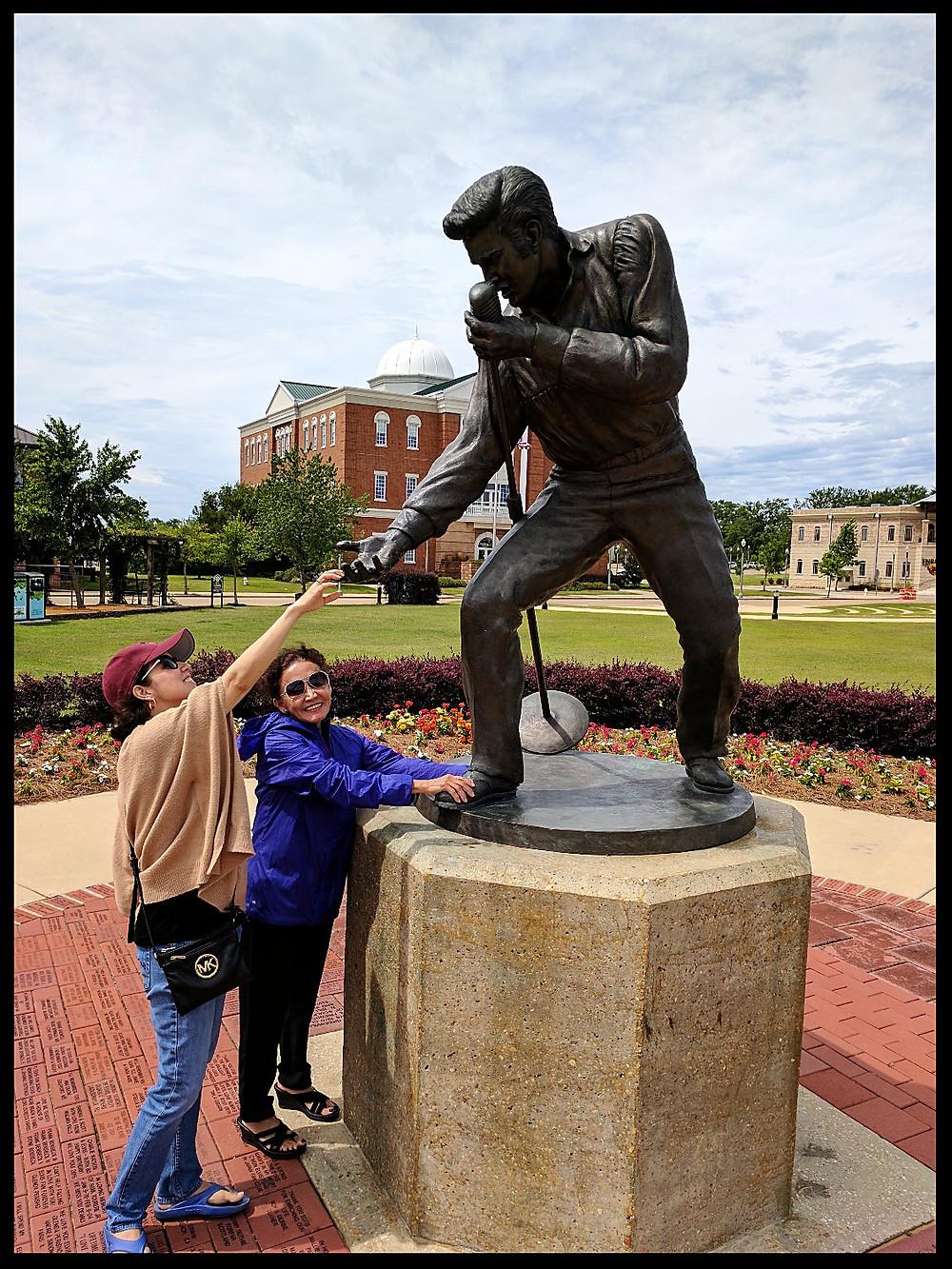 Elvis Presley Homecoming Statue, Tupelo, Mississippi.