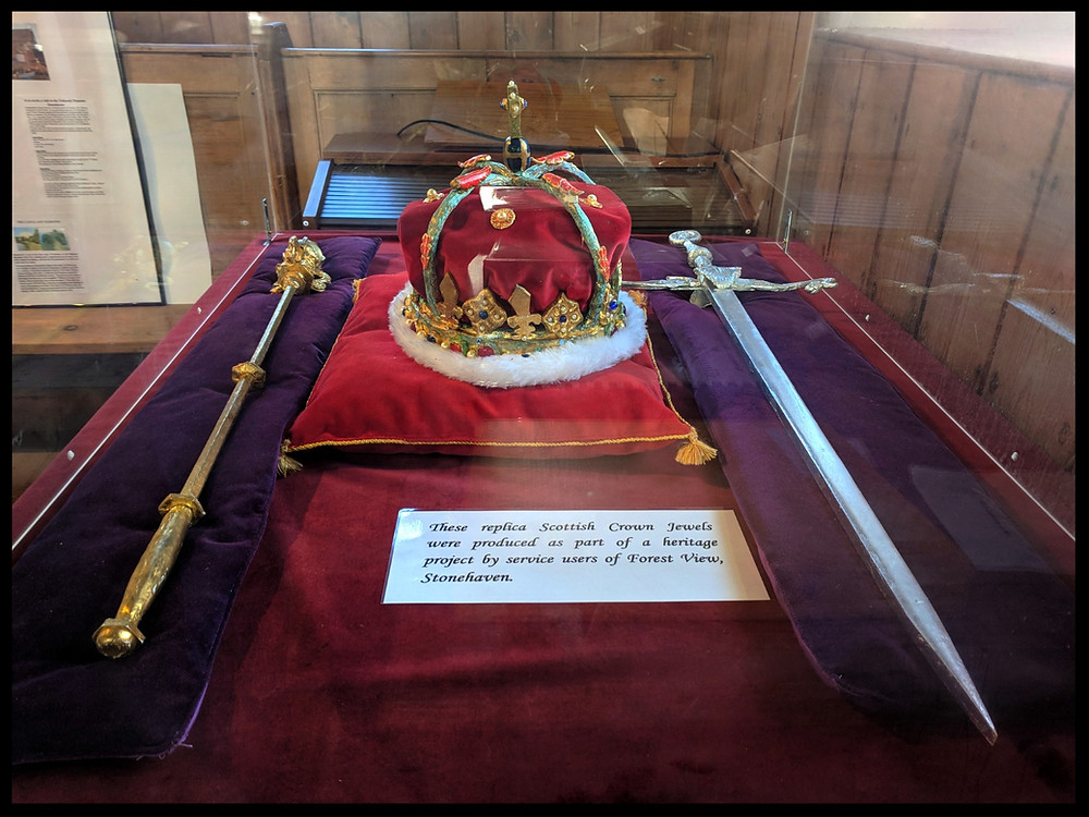 Replica of the Scottish Crown Jewels, Kinneff Old Church