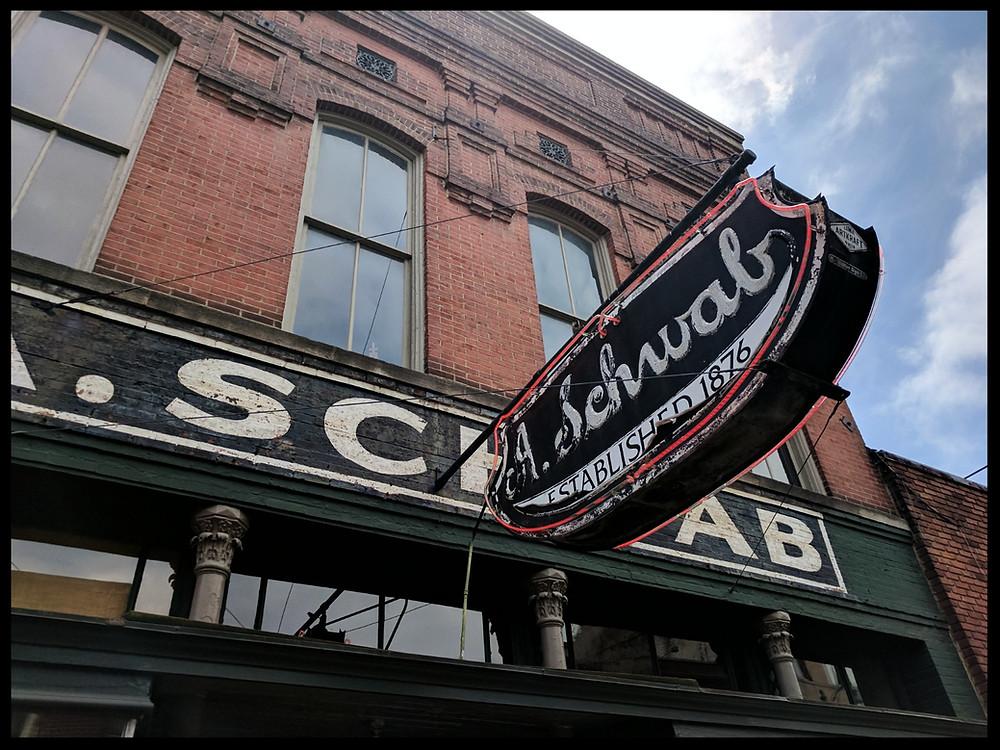 A. Schwabs, Memphis
