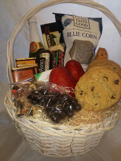 Jr Deluxe Gift Basket