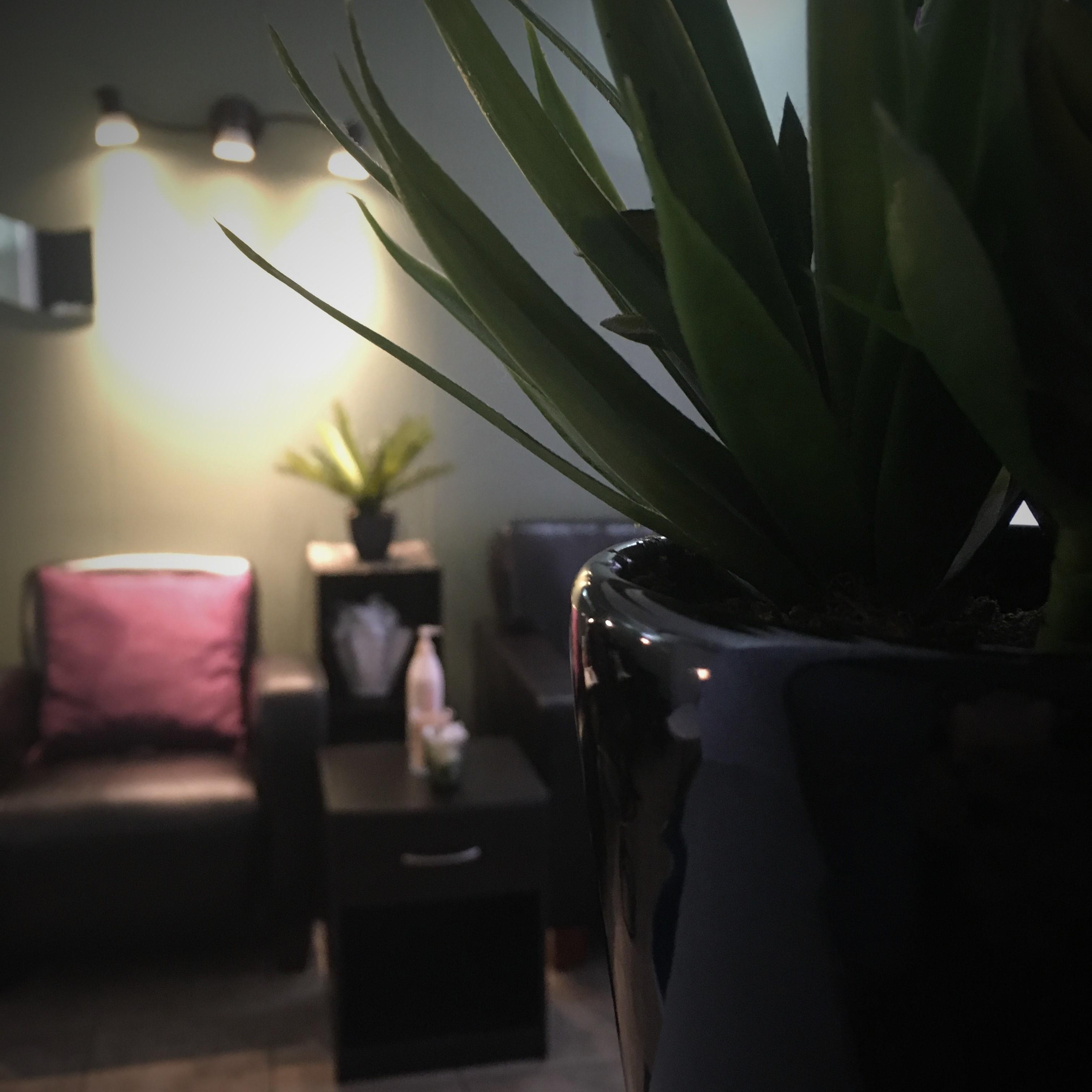 Mani/ Pedi Room