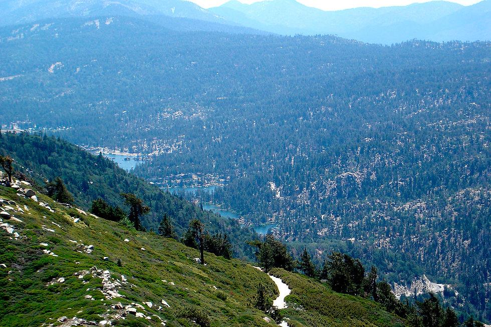 1200px-Big_Bear_Valley,_California.jpg