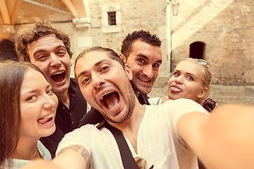 selfie-amigos1.jpg