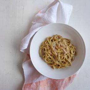 Spaghetti da dispensa cremosi e vegan!
