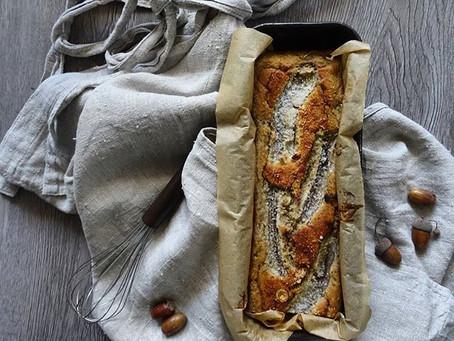 Un sorriso a colazione: banana bread anti-spreco con sciroppo d'acero e nocciole