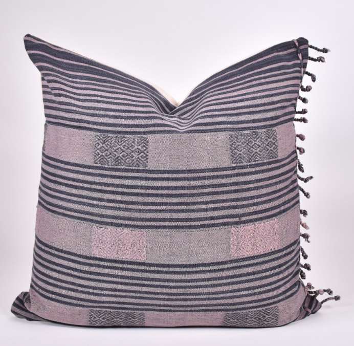naga Thai pillow pink