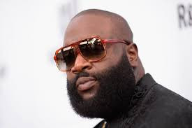 RICK ROSS MAKES FIRST PUBLIC APPEARANCE SHOPPING WITH HIS DAUGHTERS AFTER HEALTH SCARE