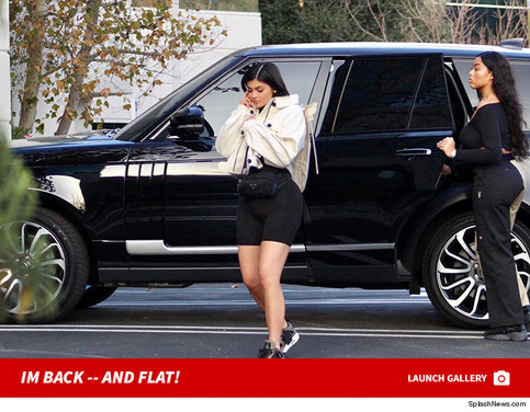 KYLIE JENNER FIRST PICS SINCE GIVING BIRTH