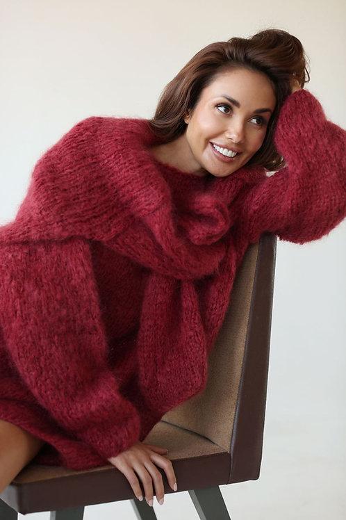 Удлиненный свитер   из мохера премиум  класса  бордового   цвета