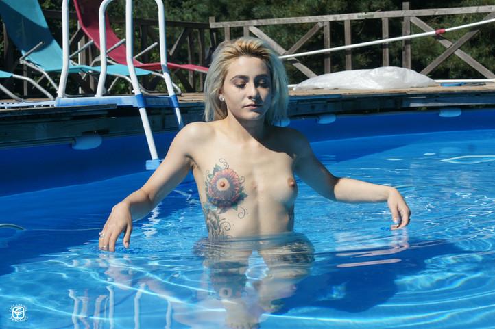Tatouages et piscine 03