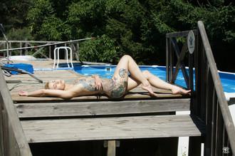 Tatouages et piscine 1
