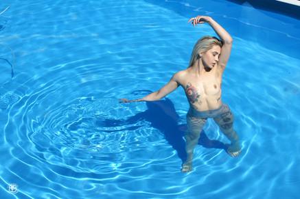 Tatouages et piscine 05