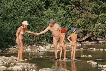 La famille aux quatre chapeaux 02