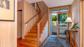 11-Stairs.jpg