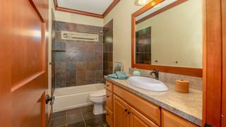 23-2nd bathroom.jpg