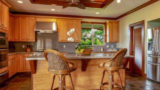 12-Kitchen 2-2.jpg