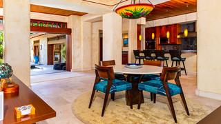 20-Dining room.jpg