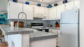 9-Kitchen 1.jpg