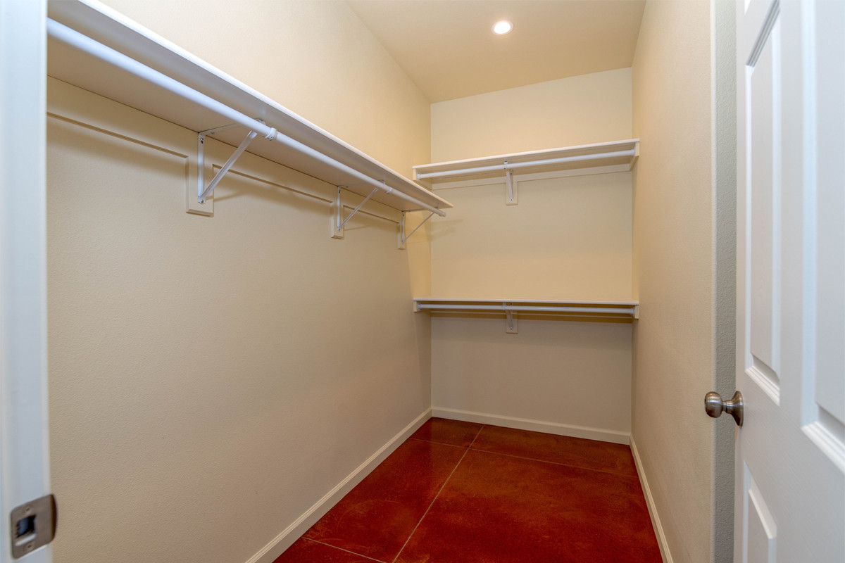 11-Master closet.jpg