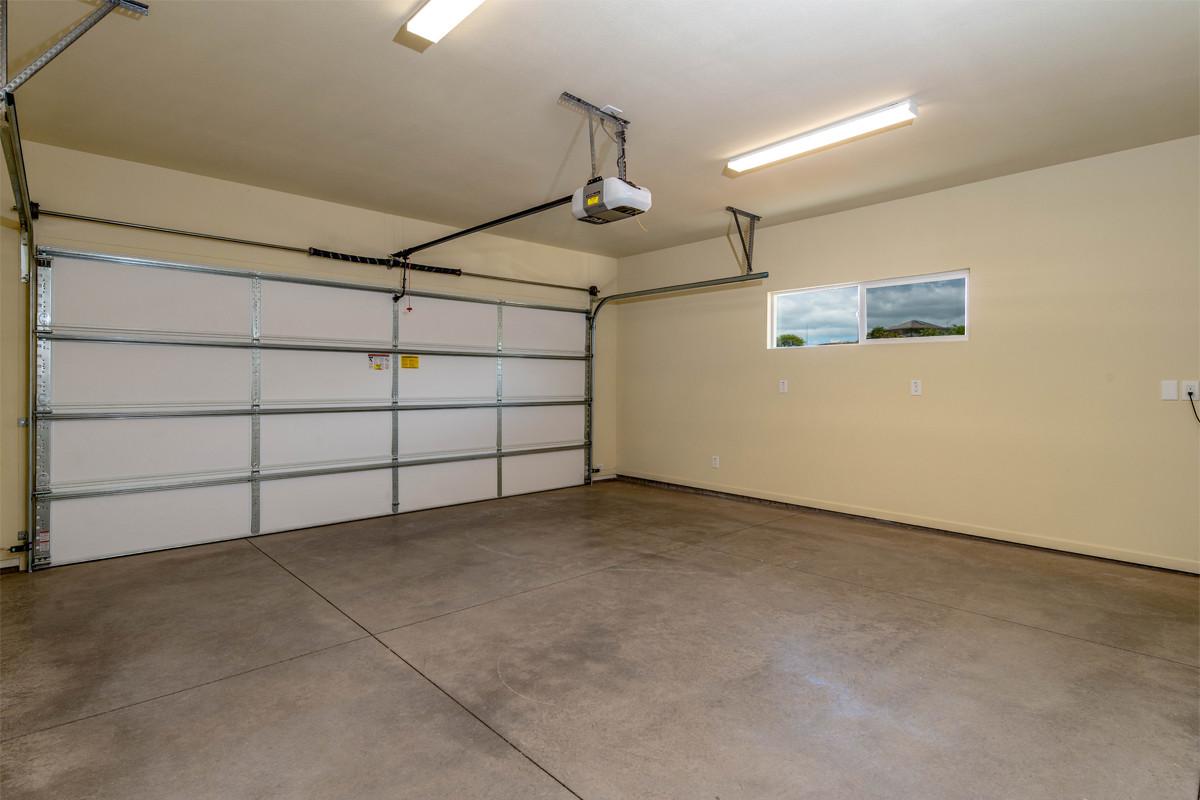17-Garage.jpg