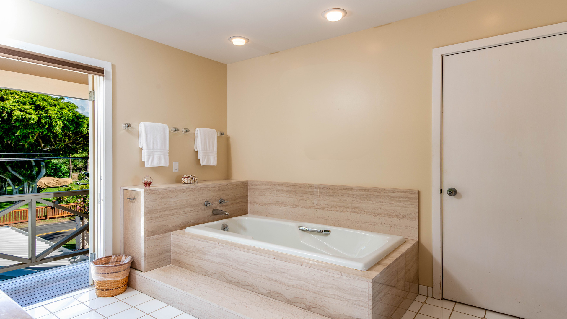 13-6-Master bathroom 1.jpg